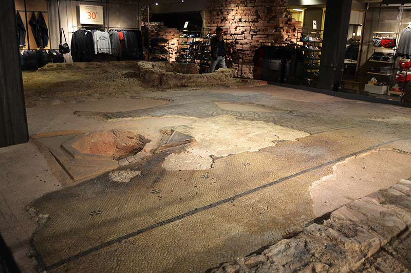 Remains of a Roman domus (patrician house) under a shop in Verona