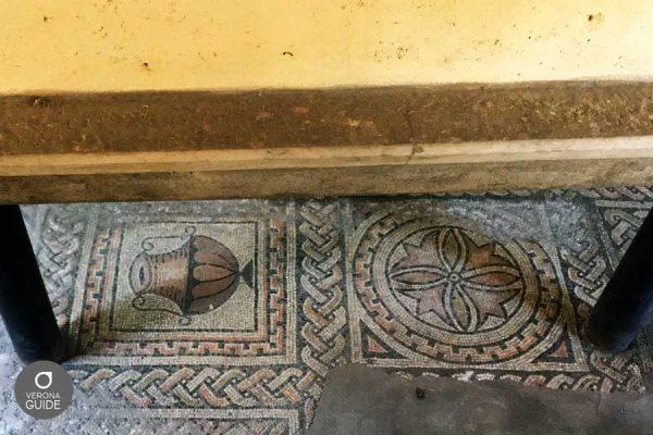 Mosaici di antiche chiese paleocristiane