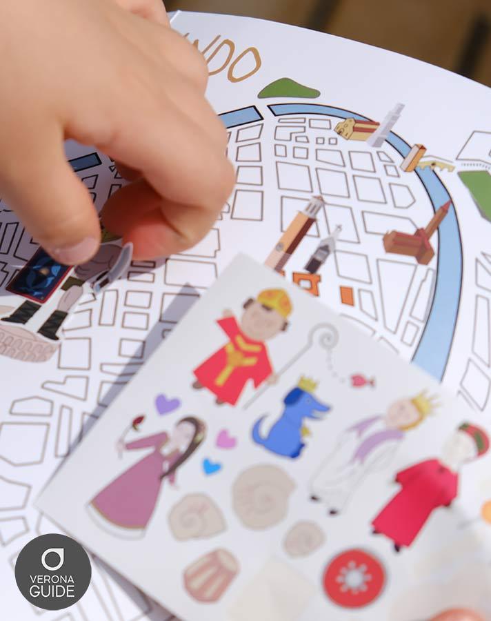 mappa di Verona con adesivi per bambini